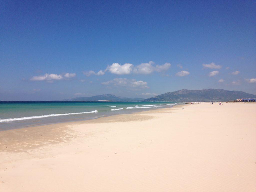 Balneario. Początek Tarifiańskich plaż, w głębi widać wydmę, tam się plaże kończą. Praktycznie na całej długości możnauprawiać kitesurfing (prawie 15km)