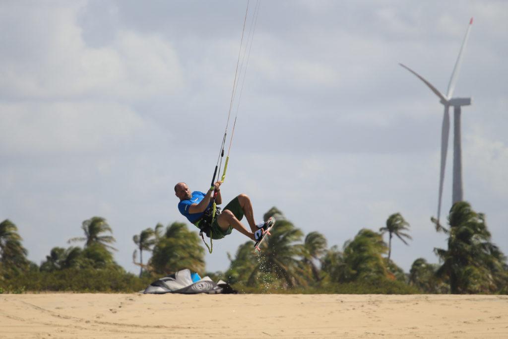 W Brazylii w sezonie codzienny kitesurfing jest pewny.