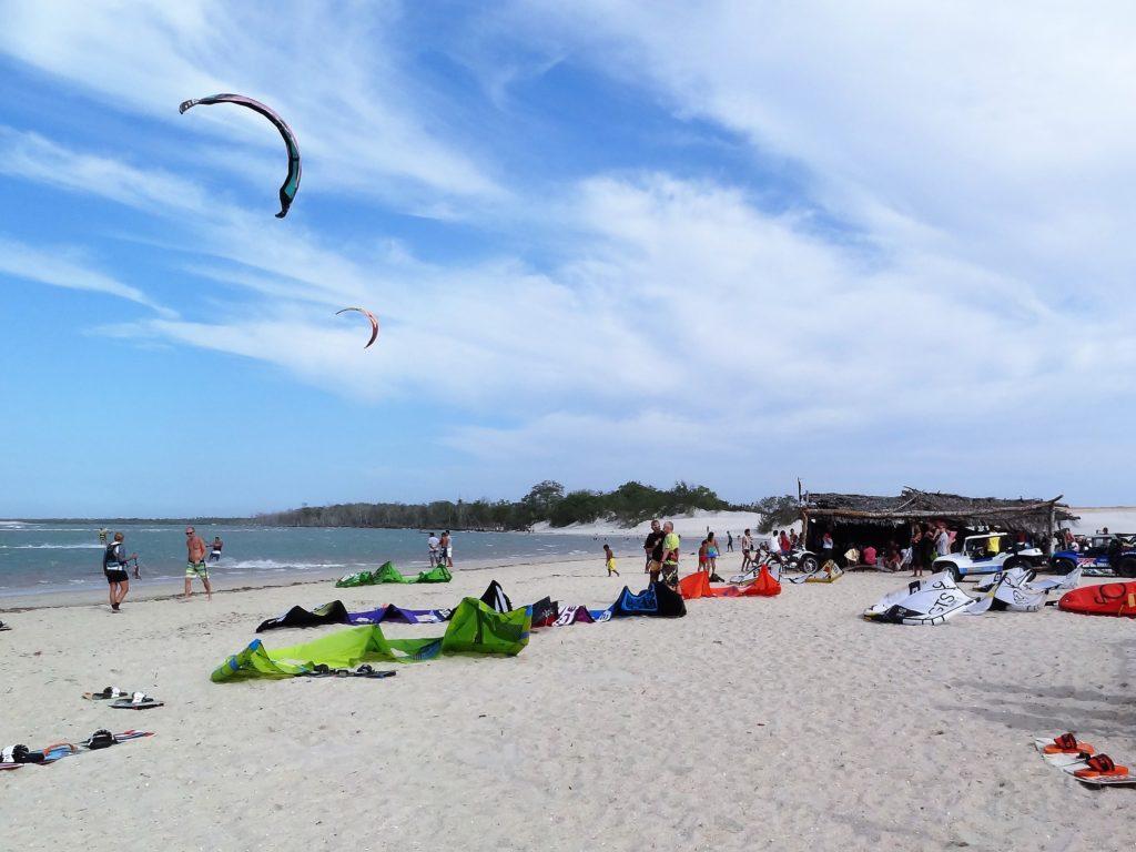 Kitesurfing na lagunie Guriu