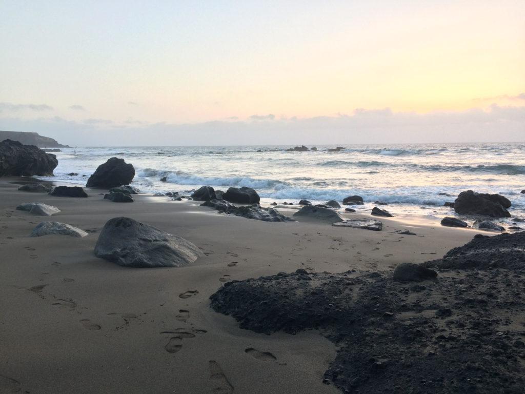 Plaża w La Pared przy odpływie