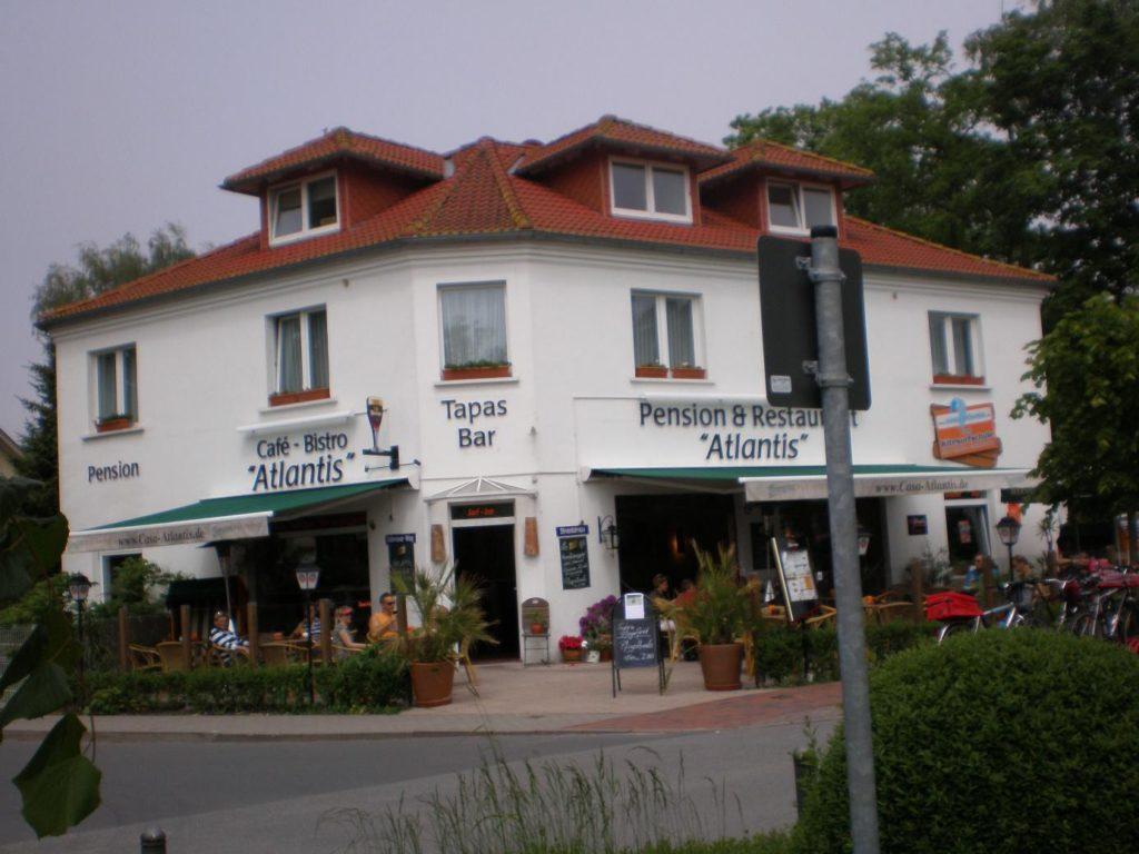 Casa Atlantis, restauracja i szkoła kite (Rugia)