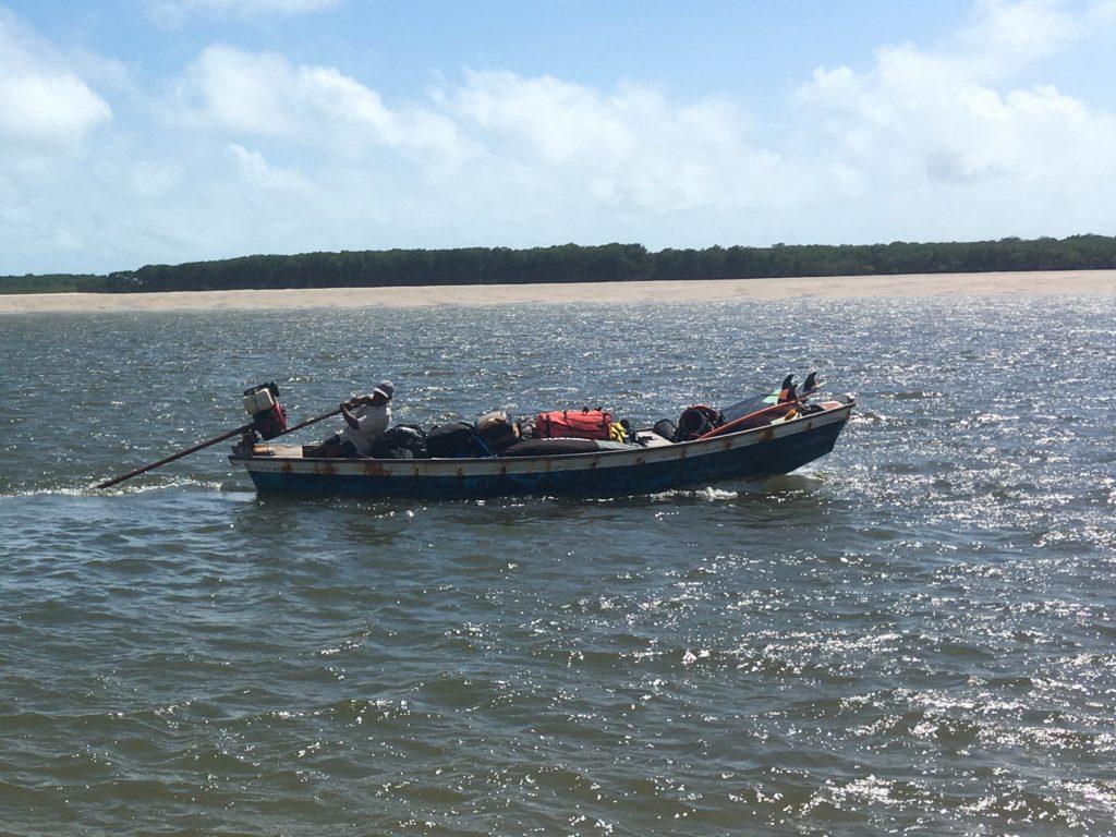 Do leżącej na terenie parku narodowego miejscowości Atins można dostać się tylko łodzią.
