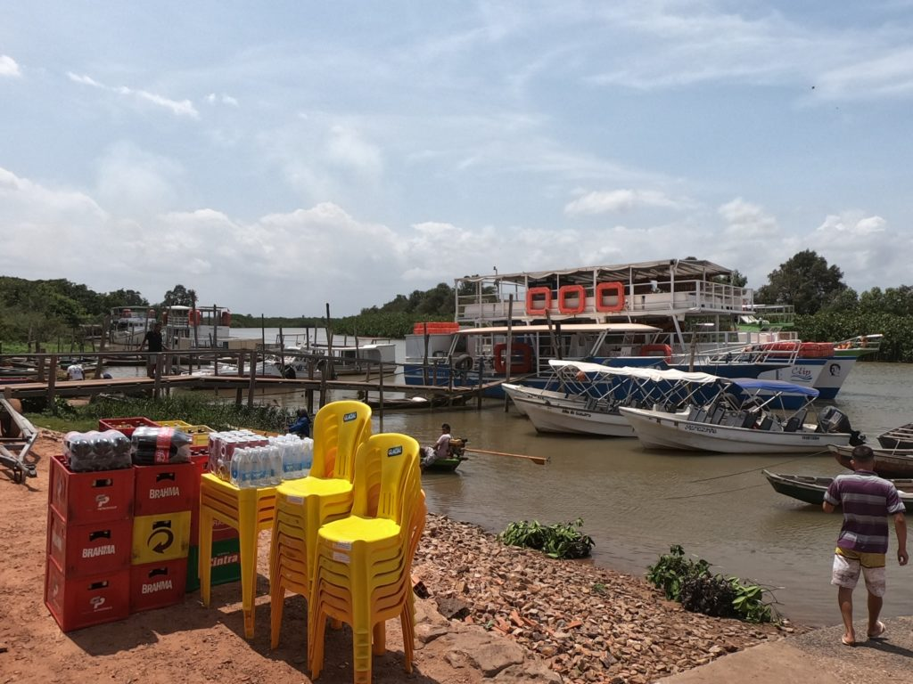 Przystań na rzece Parnaiba. Stąd łodzią płyniemy na koniec delty