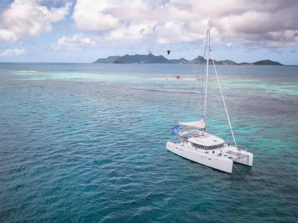 Katamaran to najlepszy środek podróży po Grenadynach